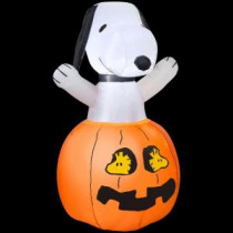 Gemmy 36 in. H Inflatable Snoopy in Pumpkin with Woodstock-64371 206052359