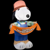 Gemmy 30.32 in. W x 22.05 in. D x 42.13 in. H Inflatable Snoopy as Scarecrow-70445 207107595